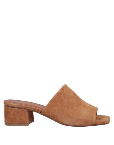 Фото - Женские сандали CARRIE LATT коричневого цвета