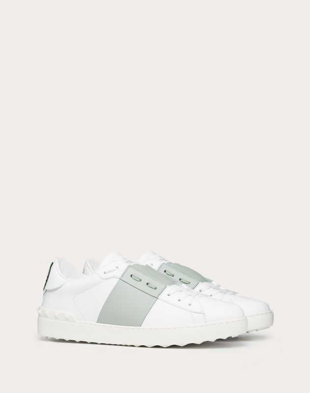 Manga Open Low-Top Sneaker