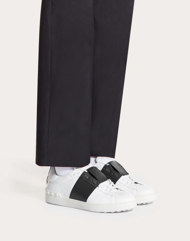 Manga Open Low-Top Sneaker
