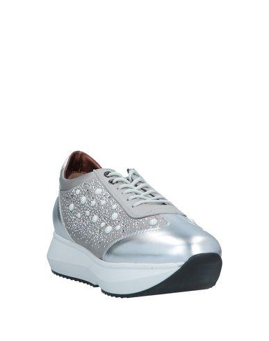 Фото 2 - Низкие кеды и кроссовки от ALEXANDER SMITH серебристого цвета