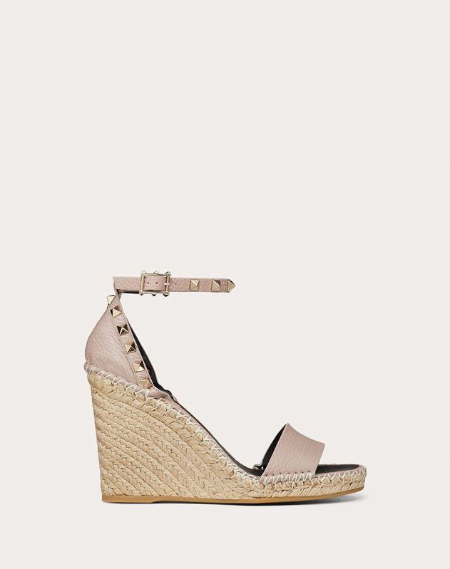 Rockstud Double Grainy Calfskin Wedge Sandal 95 mm