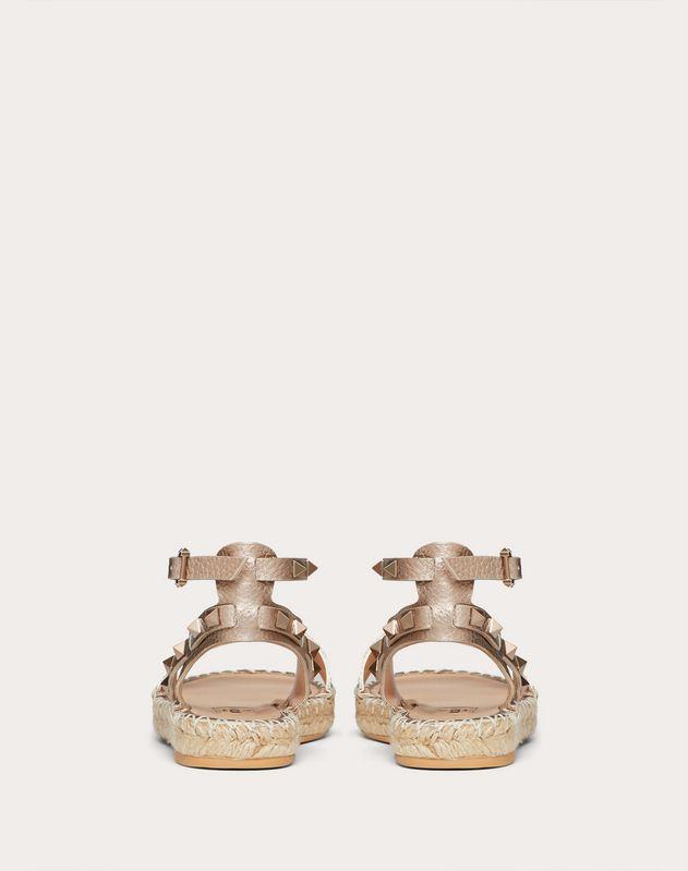Босоножки Rockstud Double из ламинированной, зернистой телячьей кожи