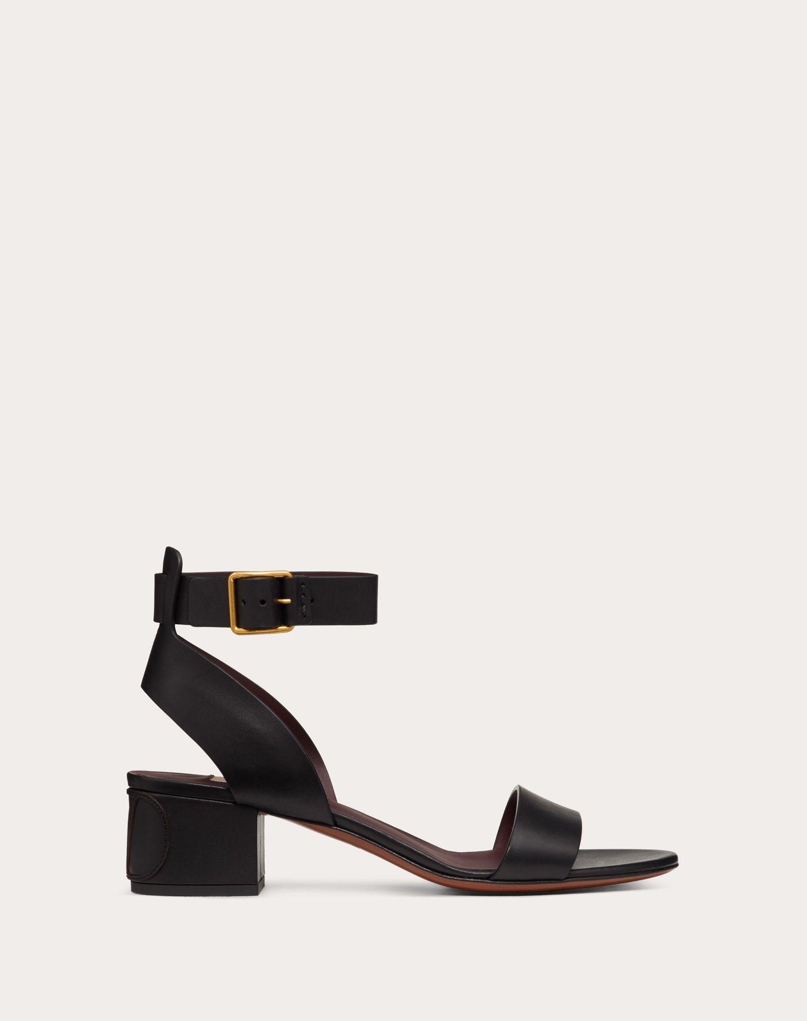Sandales VLOGO en cuir de vachette. Talon : 45 mm