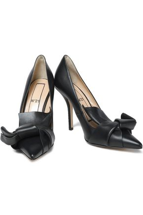 N°21 Knotted leather pumps