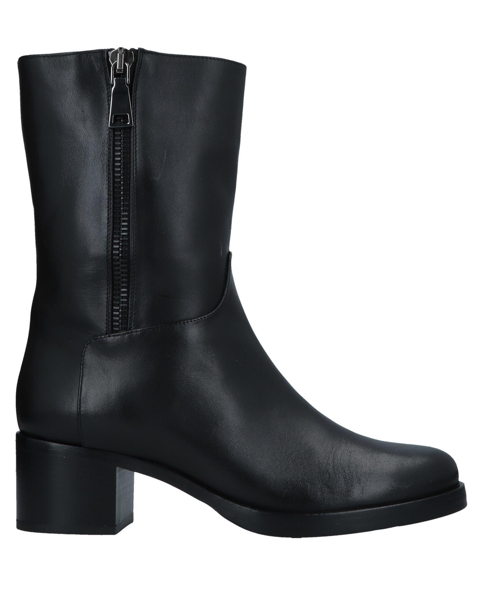 VICTORIA WOOD Полусапоги и высокие ботинки