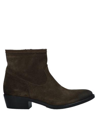 Полусапоги и высокие ботинки STELE