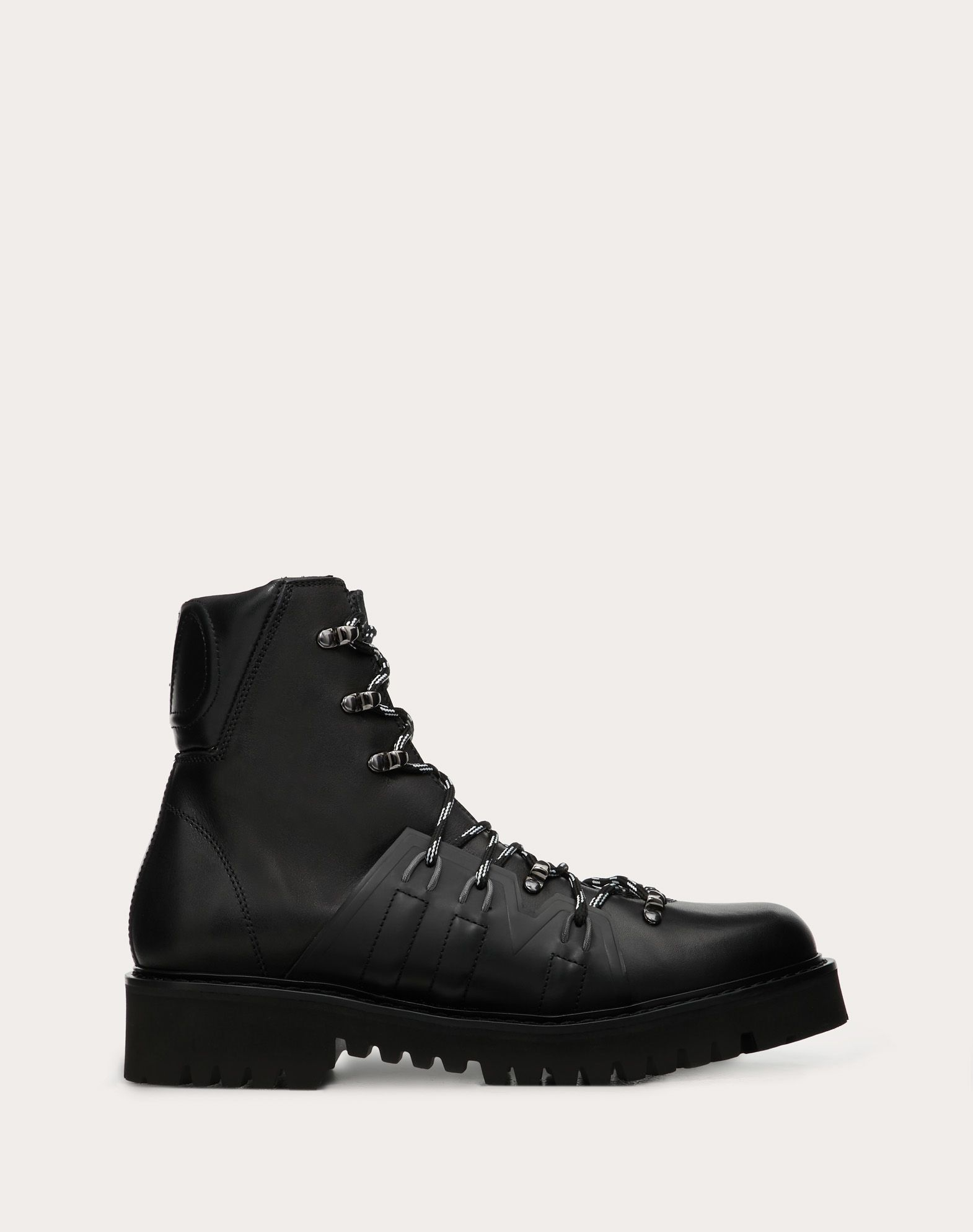 VLOGO boots in calfskin leather with shearling lining