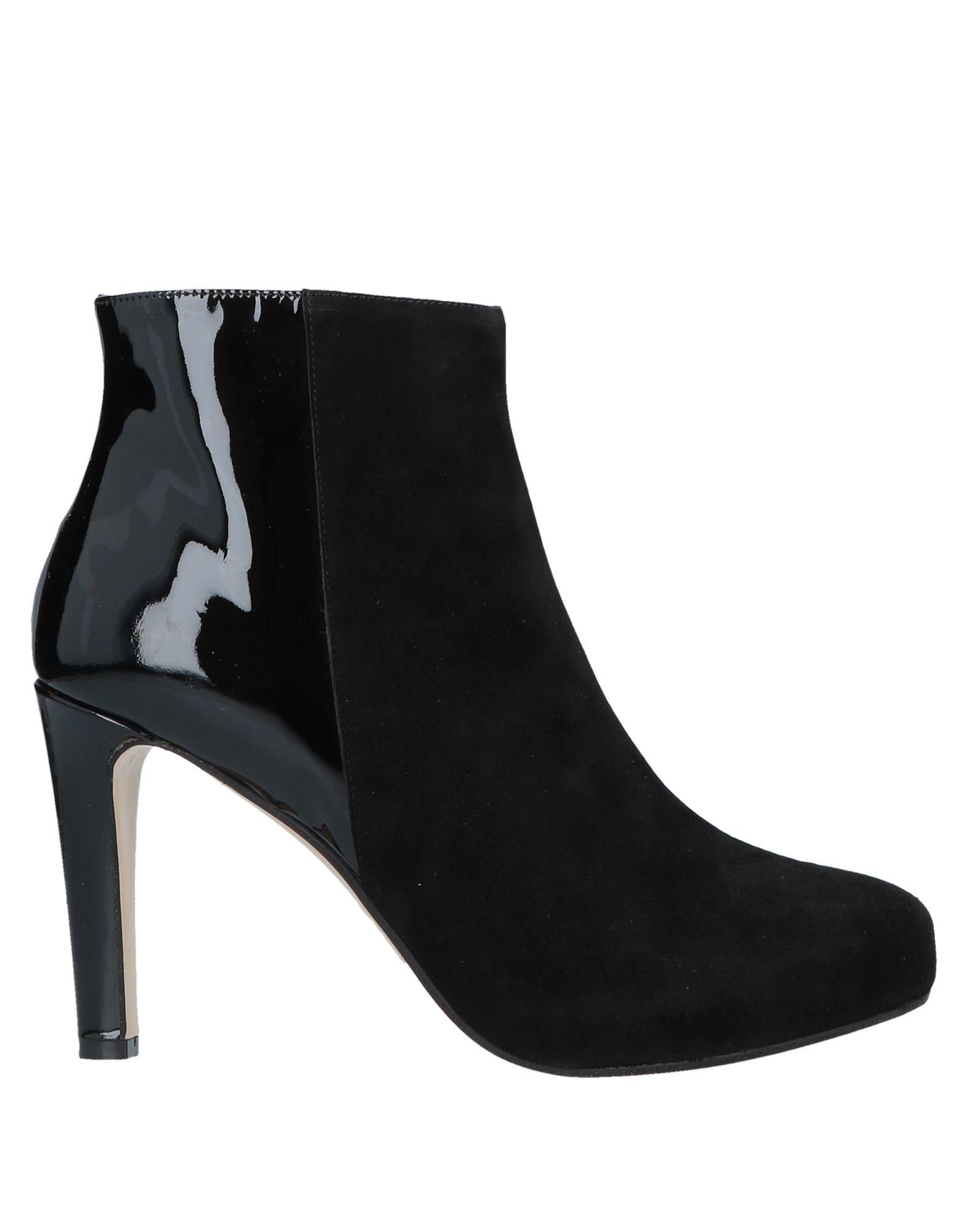 CHIARA D. Полусапоги и высокие ботинки