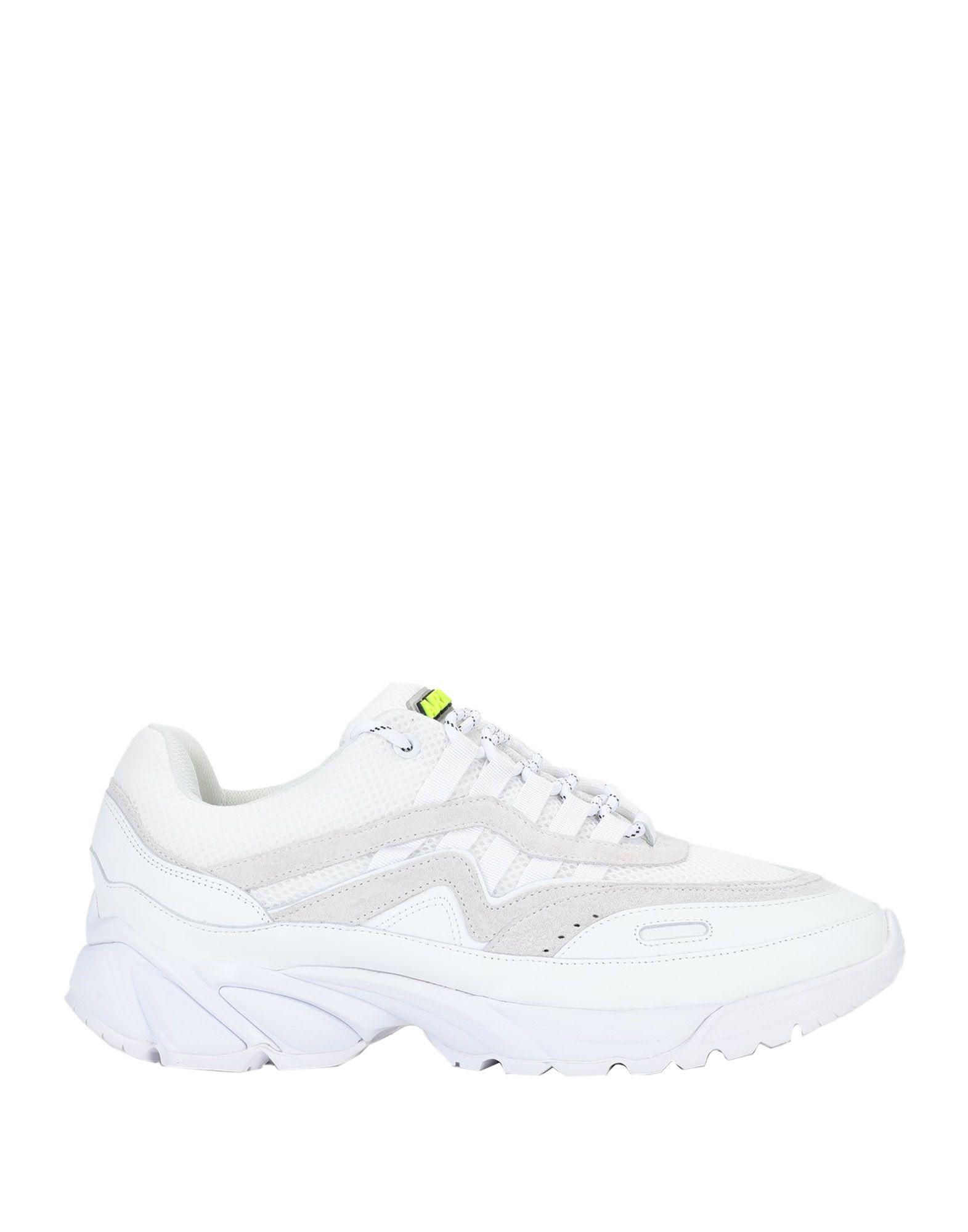《セール開催中》AXEL ARIGATO メンズ スニーカー&テニスシューズ(ローカット) ホワイト 41 革 / 紡績繊維 DEMO RUNNER