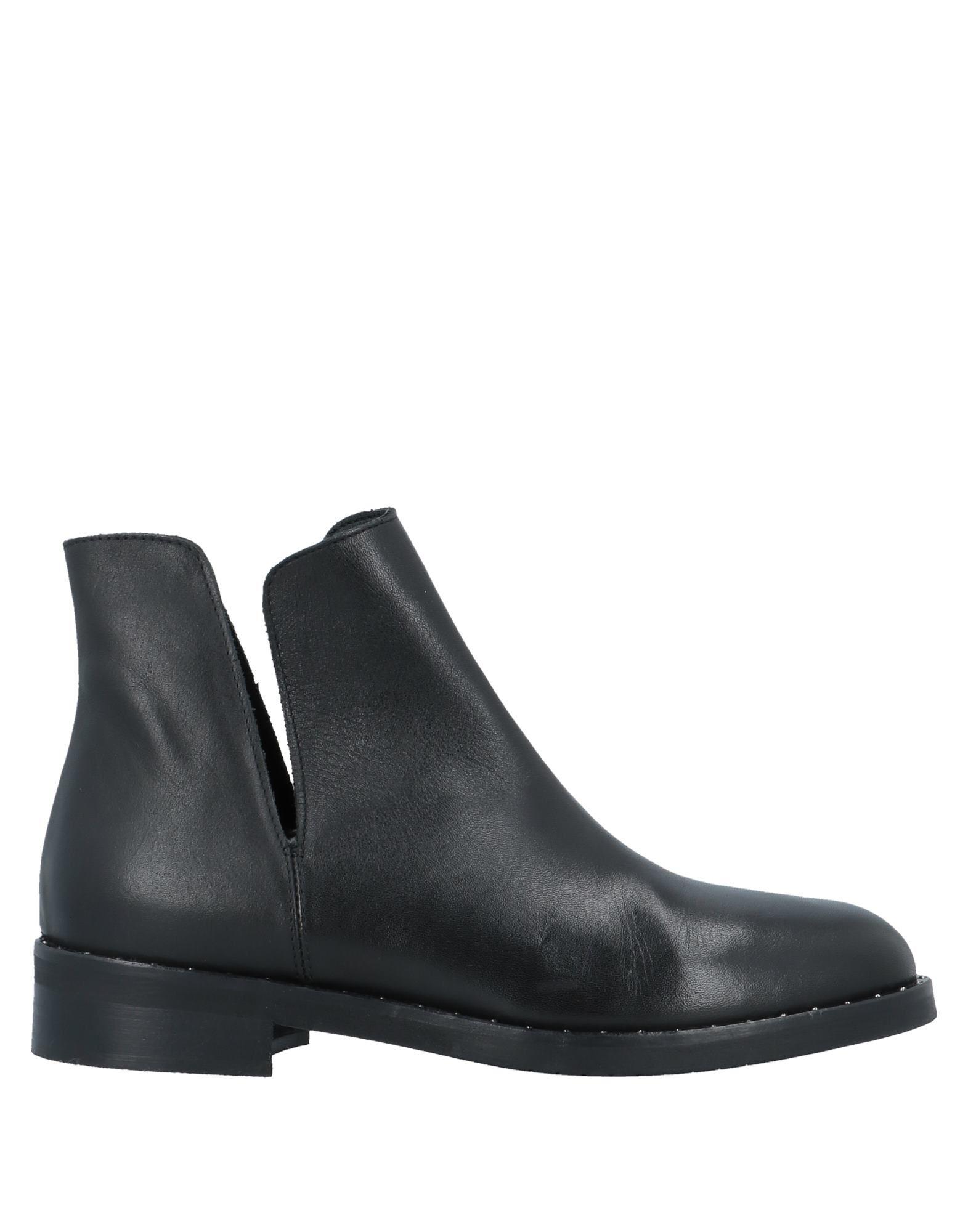 COUTURE Полусапоги и высокие ботинки