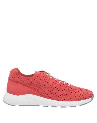 Фото - Низкие кеды и кроссовки от BEYOND кораллового цвета
