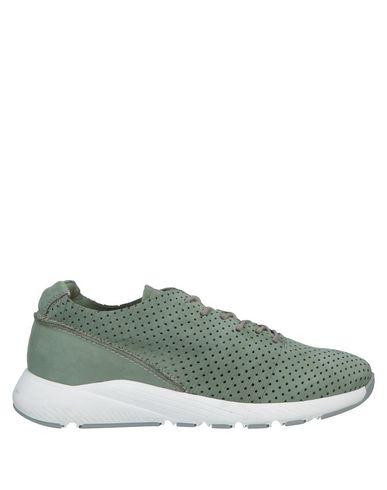 Фото - Низкие кеды и кроссовки от BEYOND светло-зеленого цвета