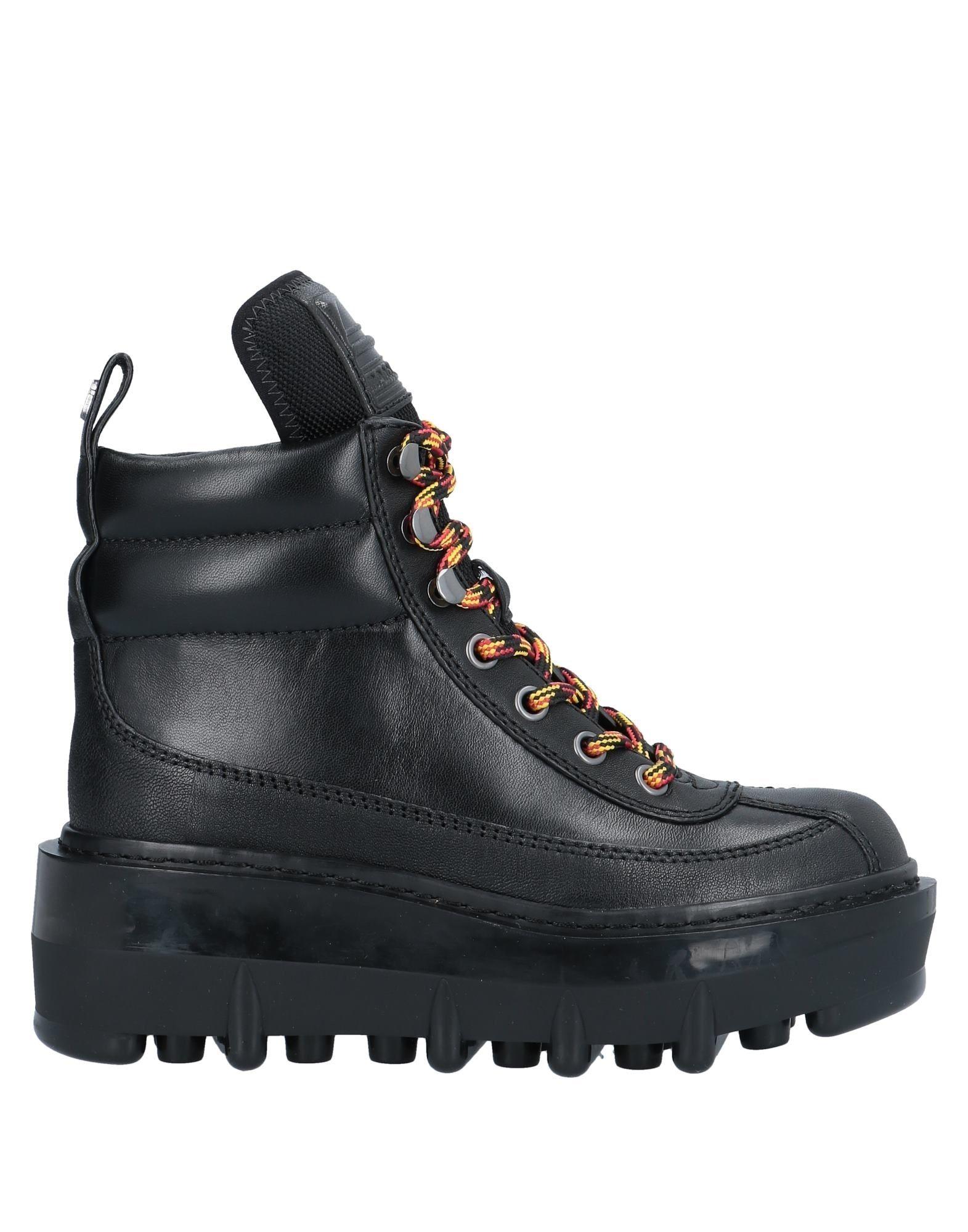 цена MARC JACOBS Полусапоги и высокие ботинки онлайн в 2017 году