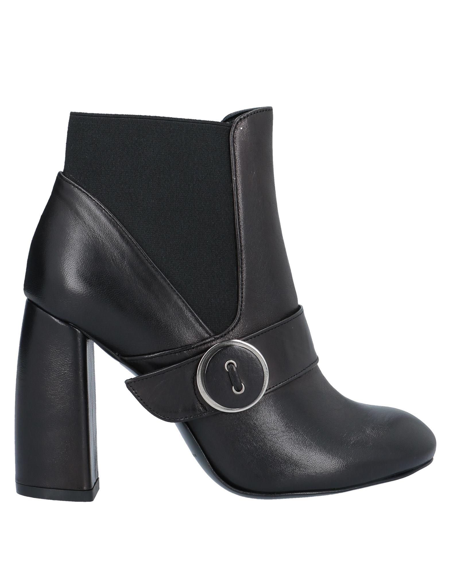 《期間限定セール中》NOA レディース ショートブーツ ブラック 35 革 / 紡績繊維
