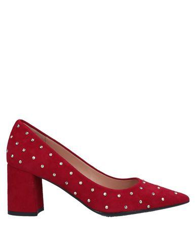 Фото - Женские туфли C.WALDORF красного цвета