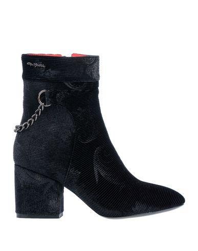 Фото - Полусапоги и высокие ботинки от LOVETOLOVE® черного цвета