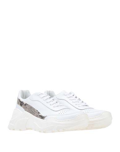 Фото 2 - Низкие кеды и кроссовки от LEMARÉ белого цвета