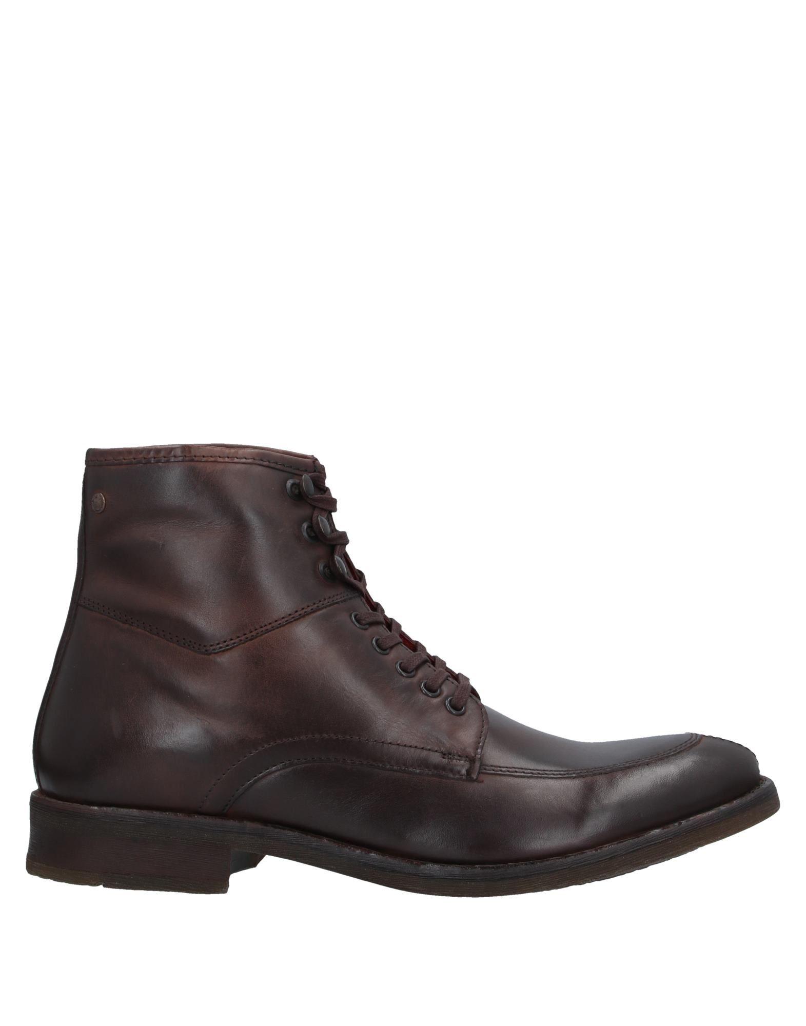 цена BASE London Полусапоги и высокие ботинки