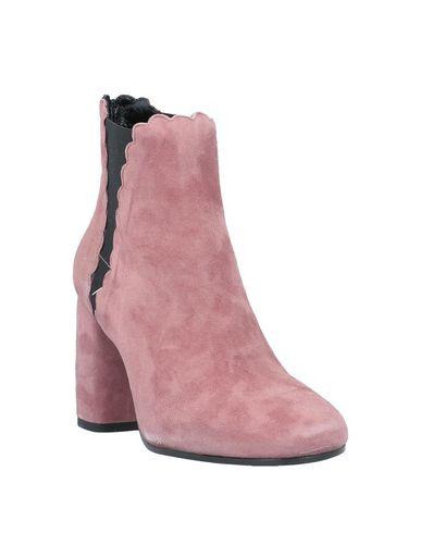 Фото 2 - Полусапоги и высокие ботинки от CARRIE LATT пастельно-розового цвета