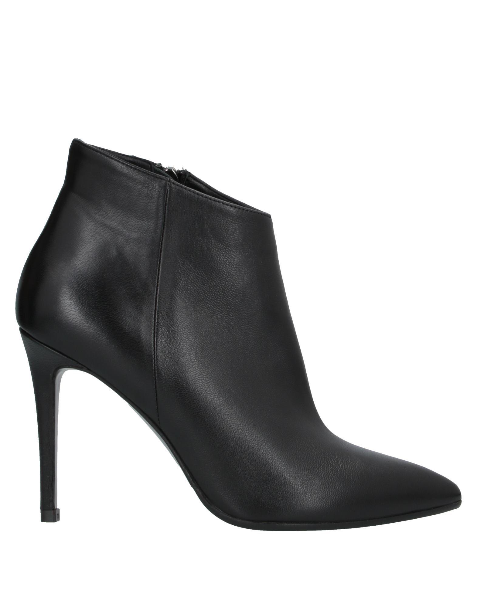 NICOLE BONNET Paris Полусапоги и высокие ботинки
