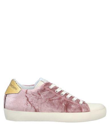Фото - Низкие кеды и кроссовки от LEATHER CROWN пастельно-розового цвета