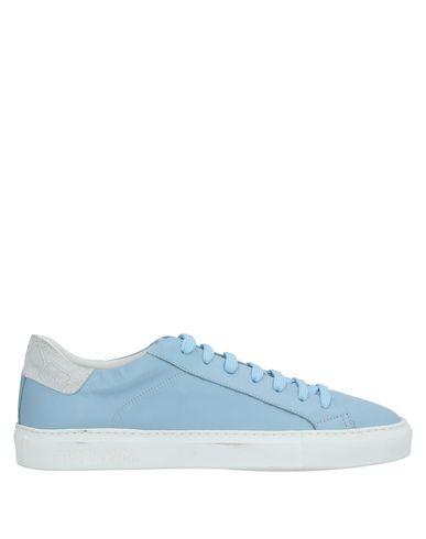 Фото - Низкие кеды и кроссовки небесно-голубого цвета
