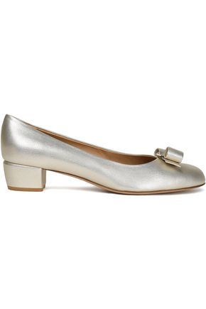 SALVATORE FERRAGAMO Bow-detailed metallic textured-leather pumps