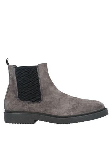 Фото - Полусапоги и высокие ботинки от CARMINE DURSO серого цвета
