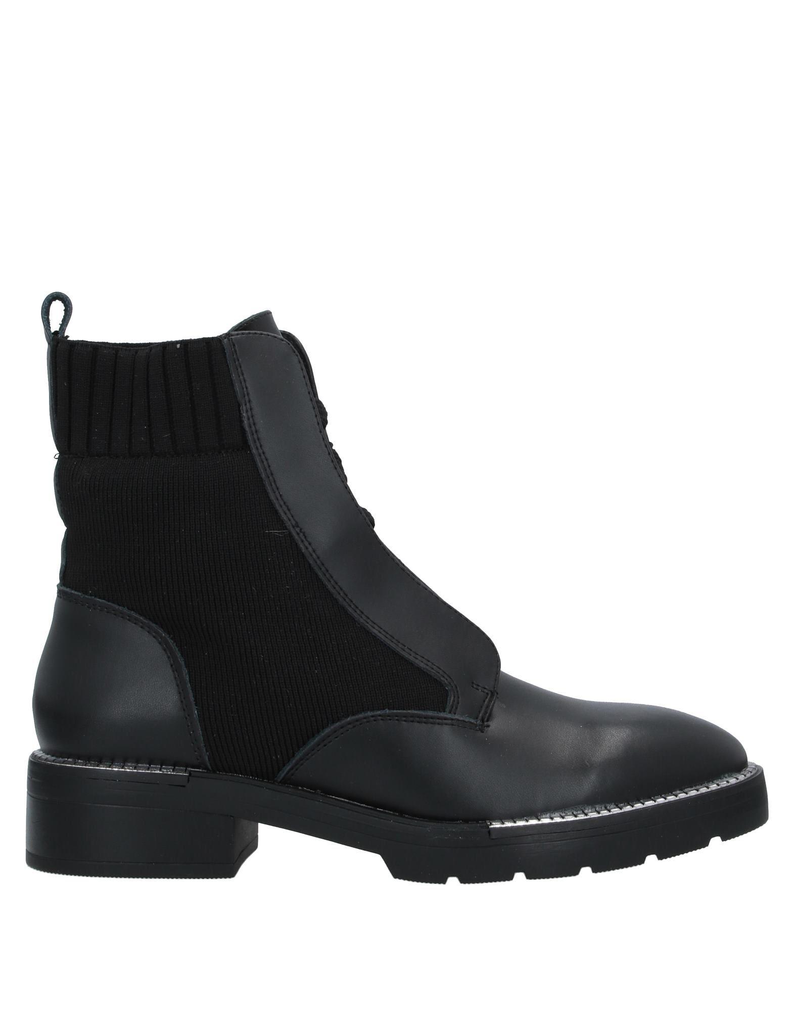 67 SIXTYSEVEN Полусапоги и высокие ботинки