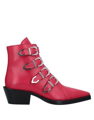 Фото - Полусапоги и высокие ботинки от VERSUS VERSACE красного цвета