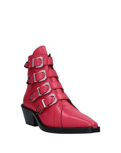 Фото 2 - Полусапоги и высокие ботинки от VERSUS VERSACE красного цвета