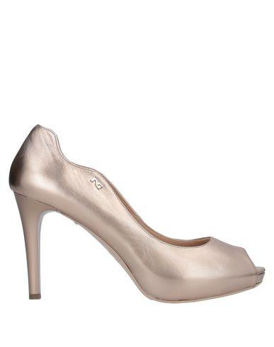 Фото - Женские туфли NERO GIARDINI цвет платиновый
