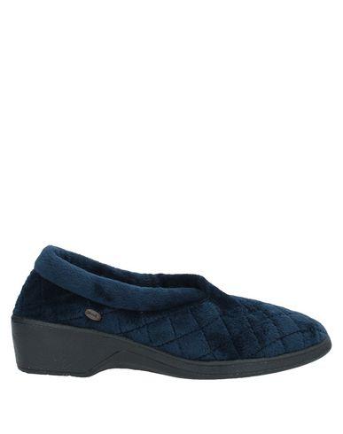 Фото - Домашние туфли темно-синего цвета
