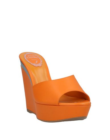 Фото 2 - Женские сандали  оранжевого цвета