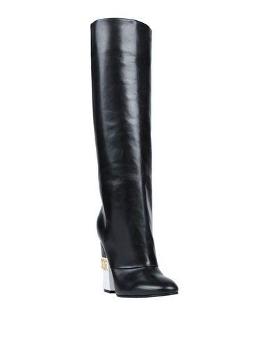 Фото 2 - Женские сапоги  черного цвета