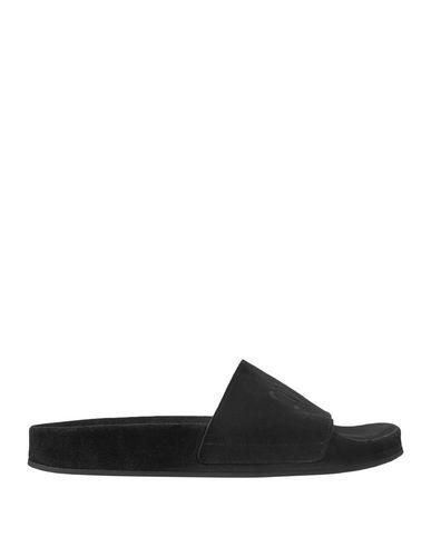 Фото - Мужские сандали CMMN SWDN черного цвета