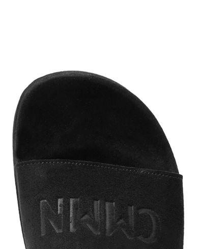 Фото 2 - Мужские сандали CMMN SWDN черного цвета