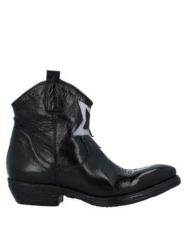Полусапоги и высокие ботинки ZOE