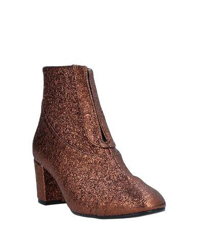 Фото 2 - Полусапоги и высокие ботинки от STELLABERG бронзового цвета