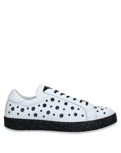 Фото - Низкие кеды и кроссовки от J-QUINN® белого цвета