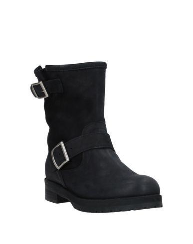 Фото 2 - Полусапоги и высокие ботинки от LE PURE черного цвета