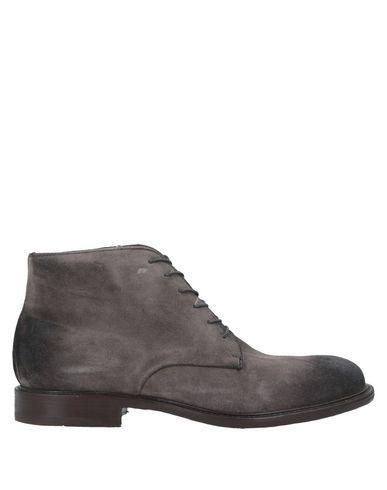 Фото - Полусапоги и высокие ботинки от TON GOÛT серого цвета