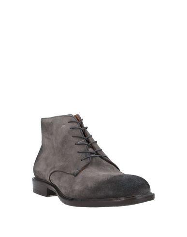 Фото 2 - Полусапоги и высокие ботинки от TON GOÛT серого цвета
