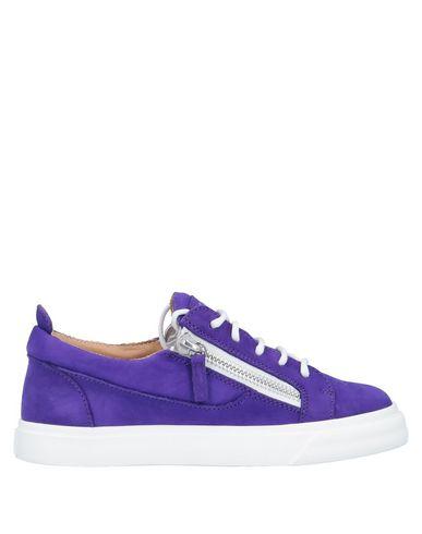 Фото - Низкие кеды и кроссовки фиолетового цвета