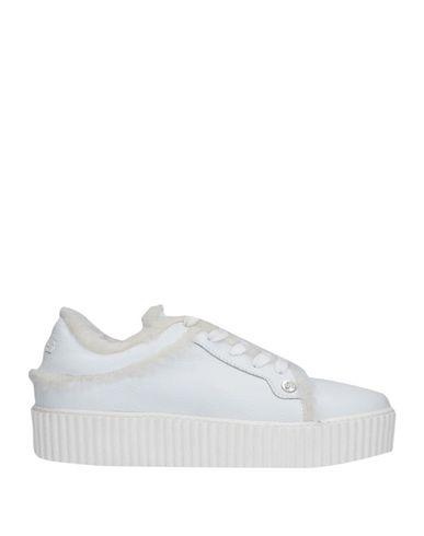 Купить Низкие кеды и кроссовки от CESARE PACIOTTI 4US белого цвета