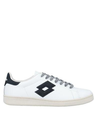 Фото - Низкие кеды и кроссовки от LOTTO LEGGENDA белого цвета