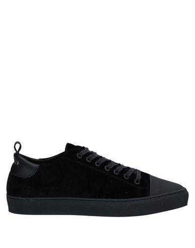 Фото - Низкие кеды и кроссовки от YLATI черного цвета