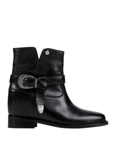 Фото - Полусапоги и высокие ботинки от GISÈL MOIRÈ  Paris черного цвета