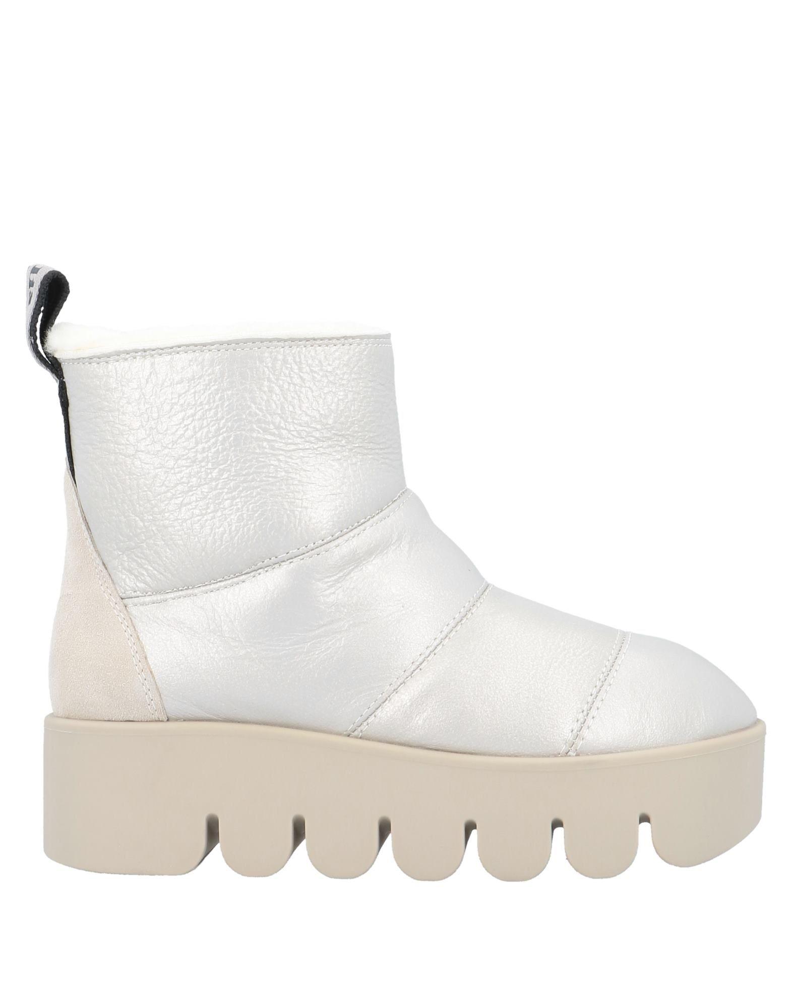 TOO MOLLIS Полусапоги и высокие ботинки