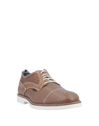 Фото 2 - Обувь на шнурках коричневого цвета